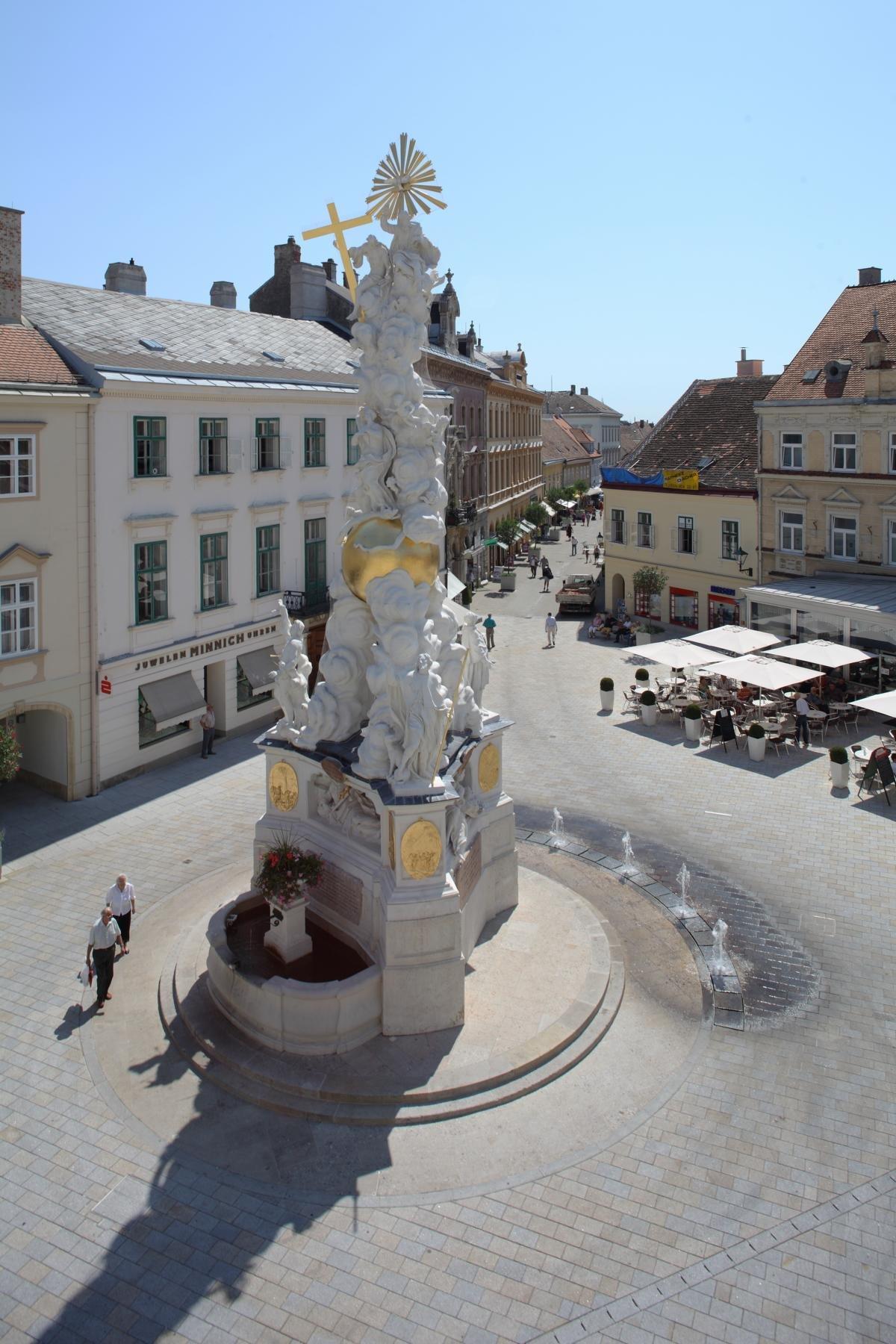 Baden Hauptplatz1