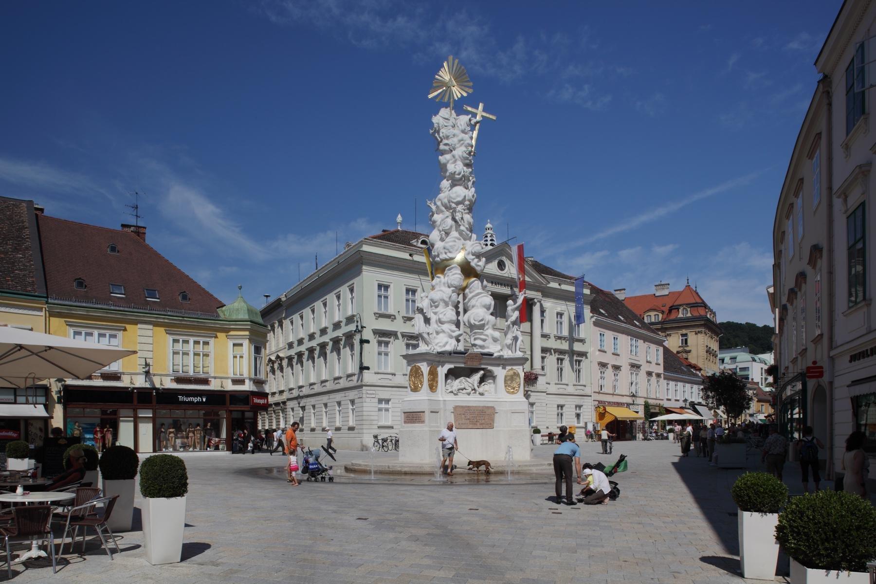 Baden Hauptplatz2