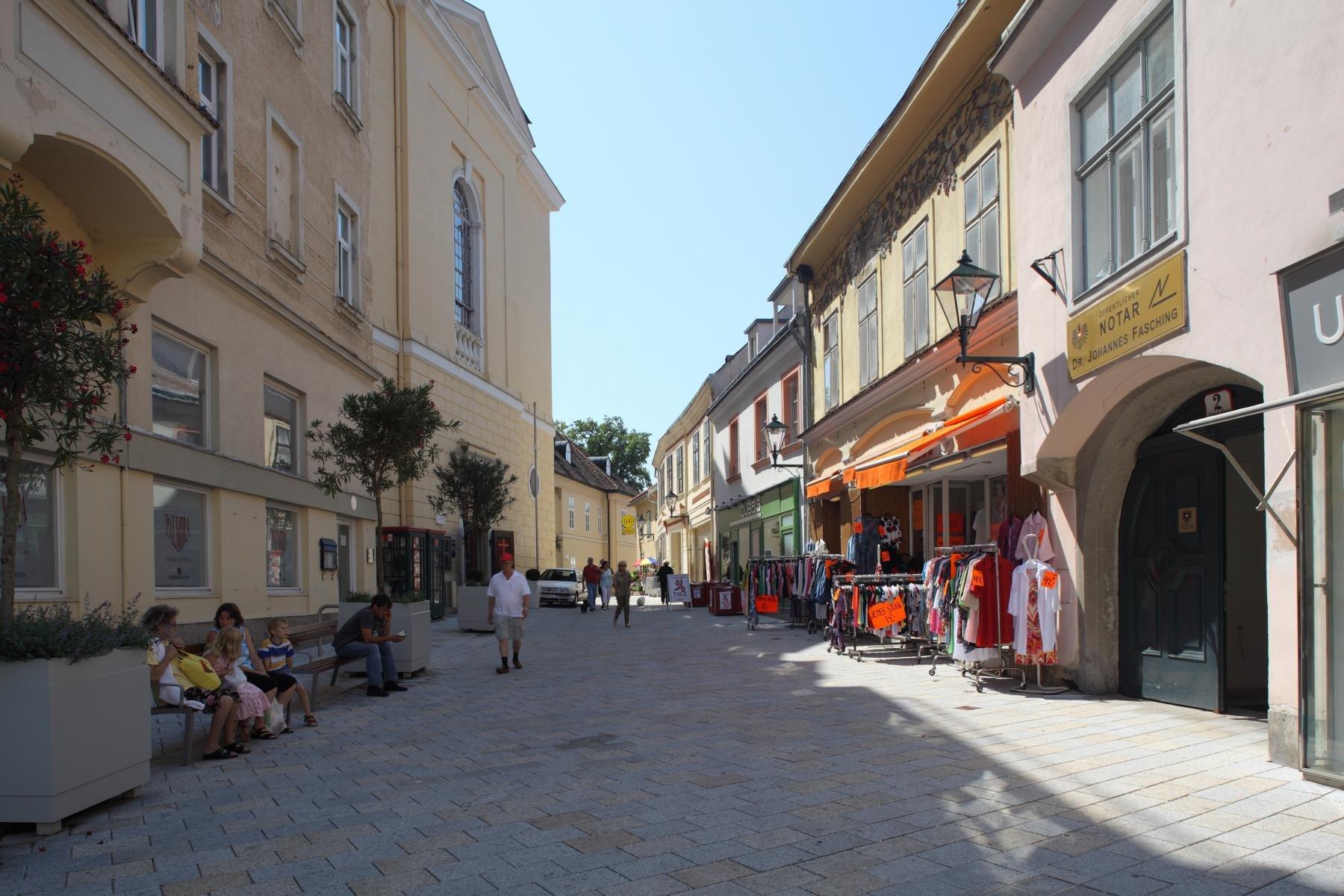 Baden Hauptplatz4