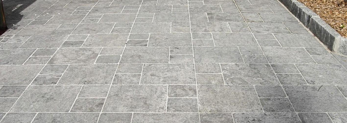 Bluestone Bodenplatten3