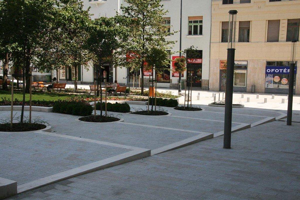 Budapest Gárdonyi Platz2