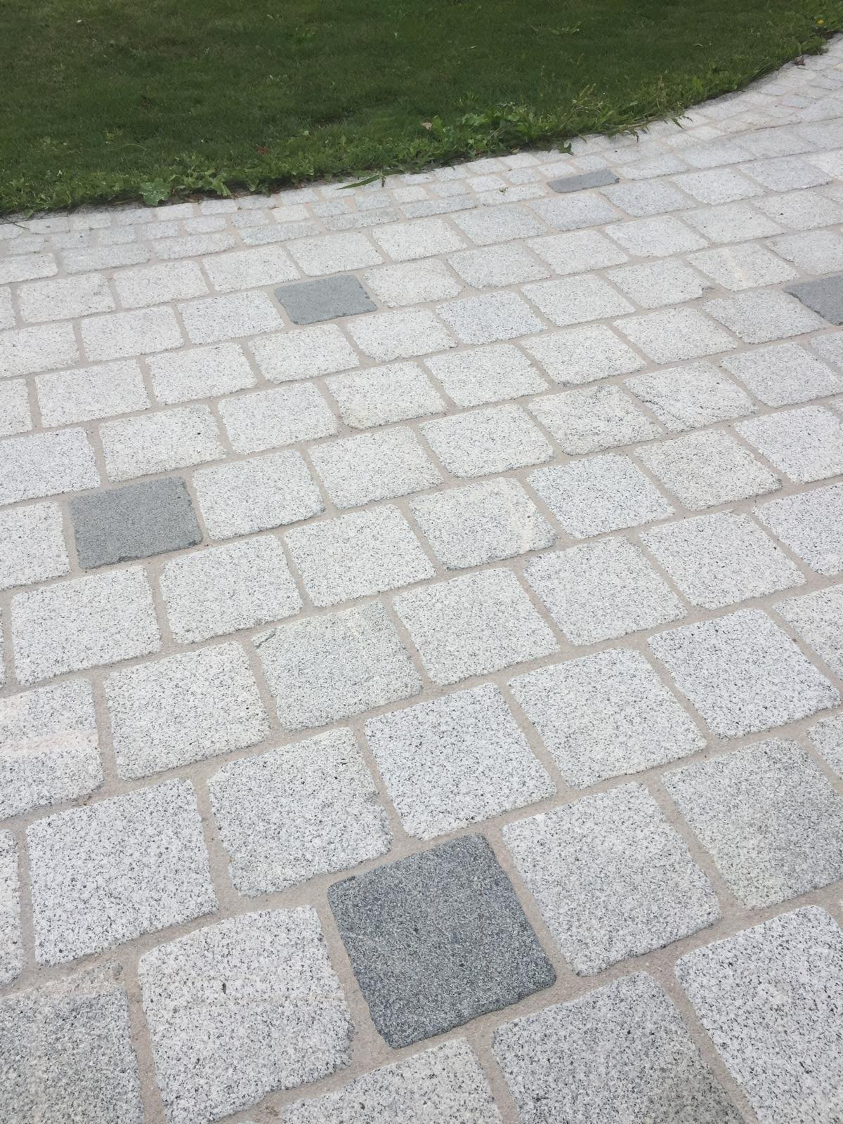 Granit Hellgrau Pflastersteine Elegant3