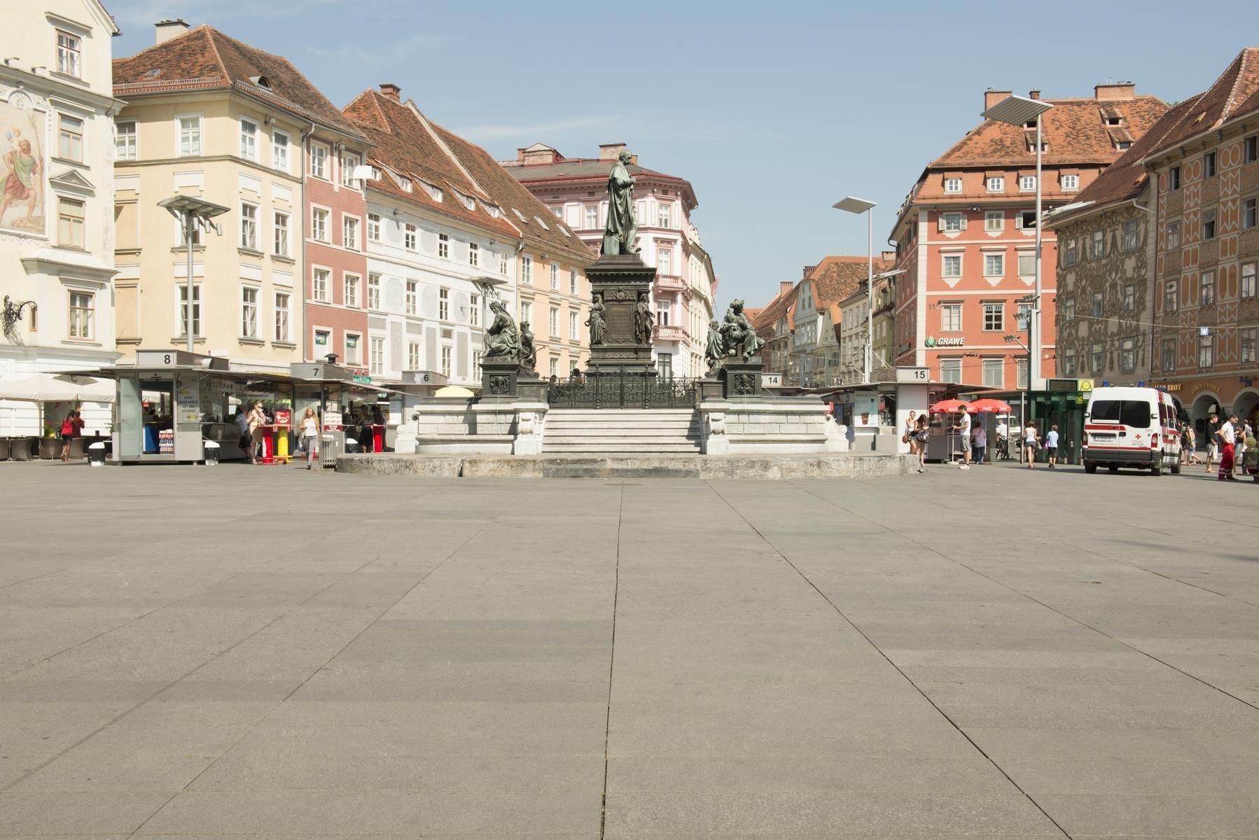 Graz - Hauptplatz5