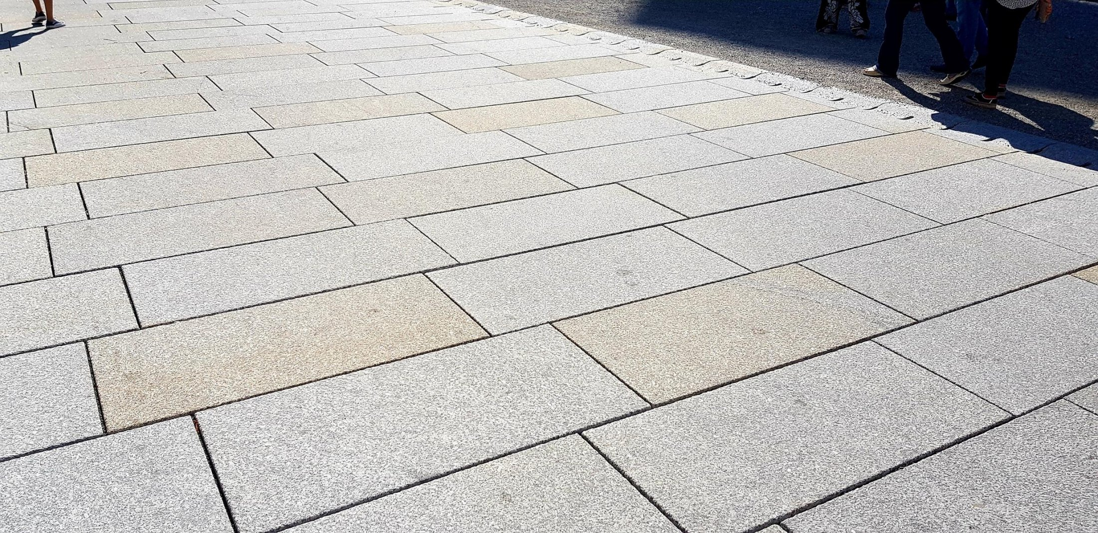 Herschenberger Bodenplatten Grau-gelb2