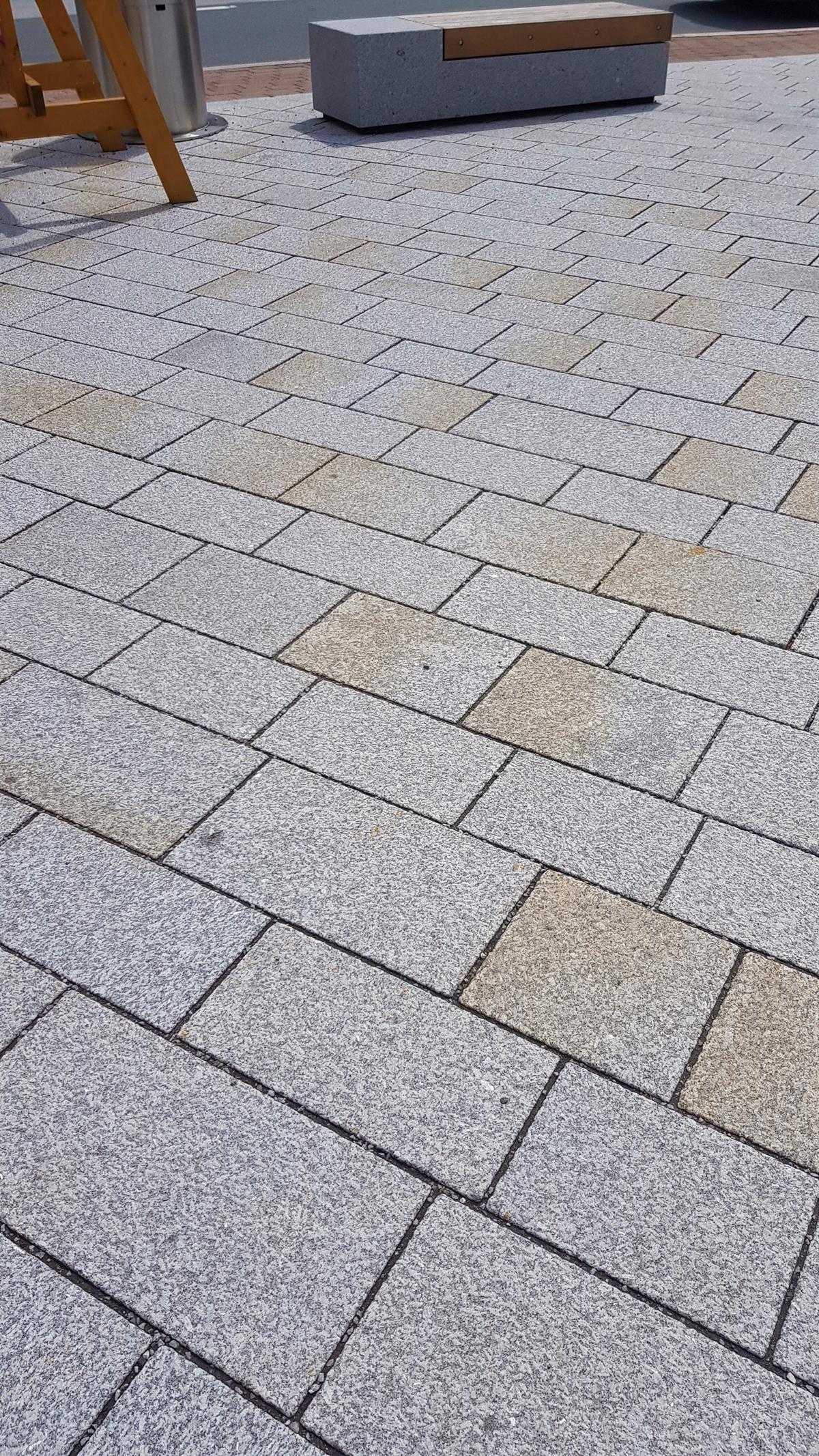 Herschenberger Bodenplatten Grau-gelb5