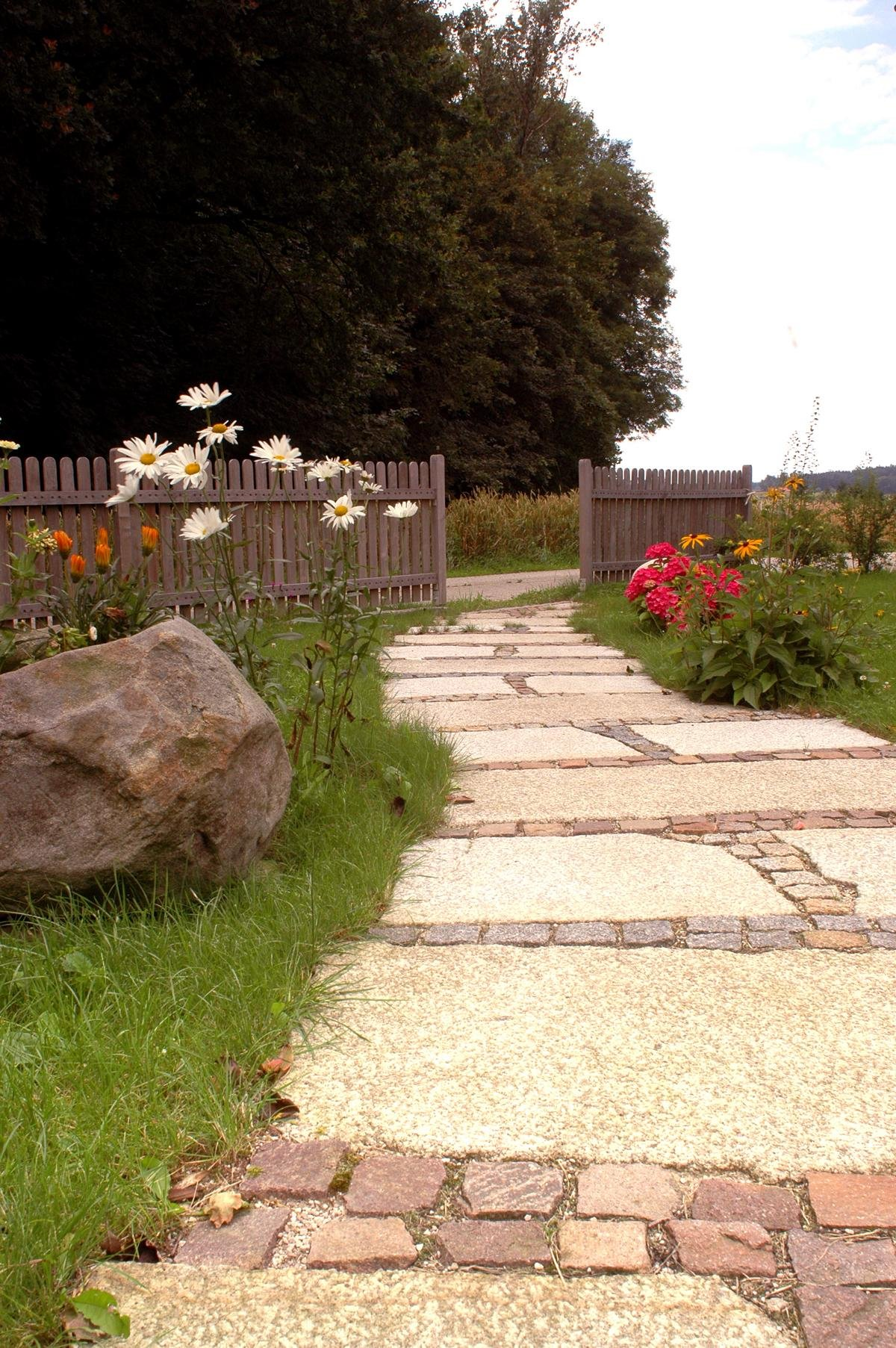 Herschenberger Gartenwegplatten21