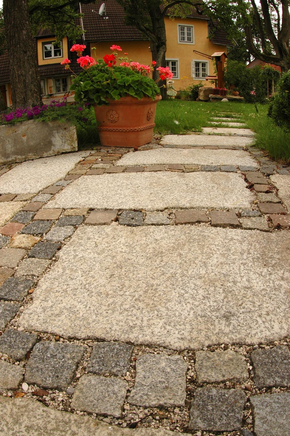 Herschenberger Gartenwegplatten27