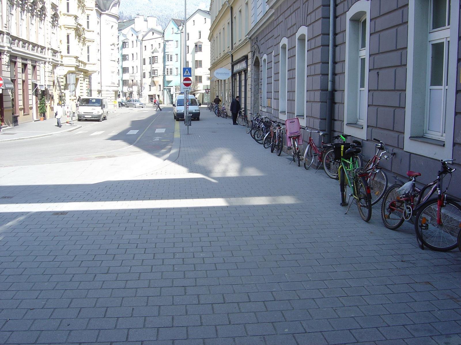 Innsbruck - Adolf-Pichler-Platz5