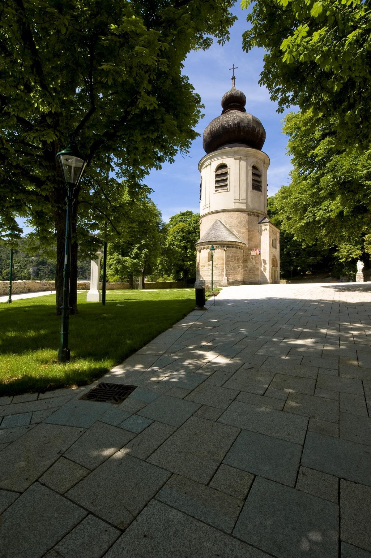 Mödling Kirchenplatz5