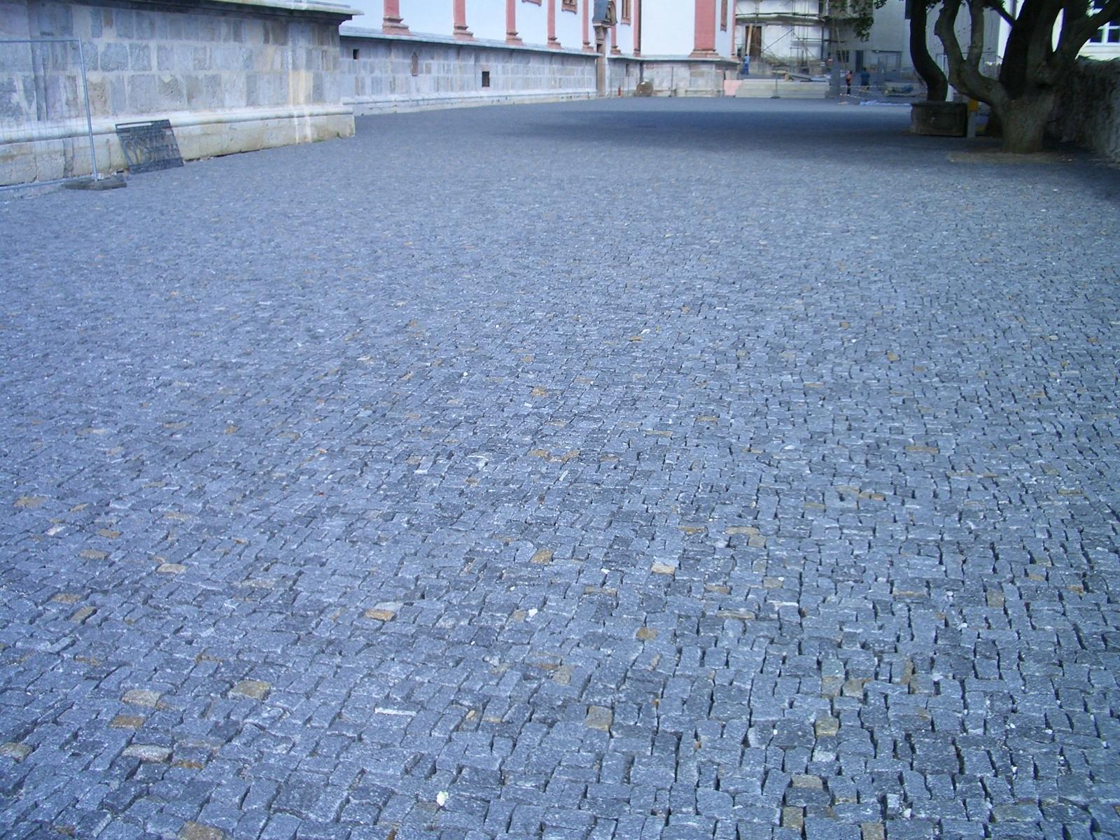 Mariazell Kirchenplatz1