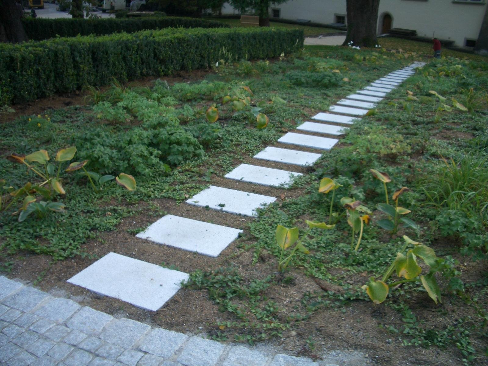 Neuhauser Gartenwegplatten3
