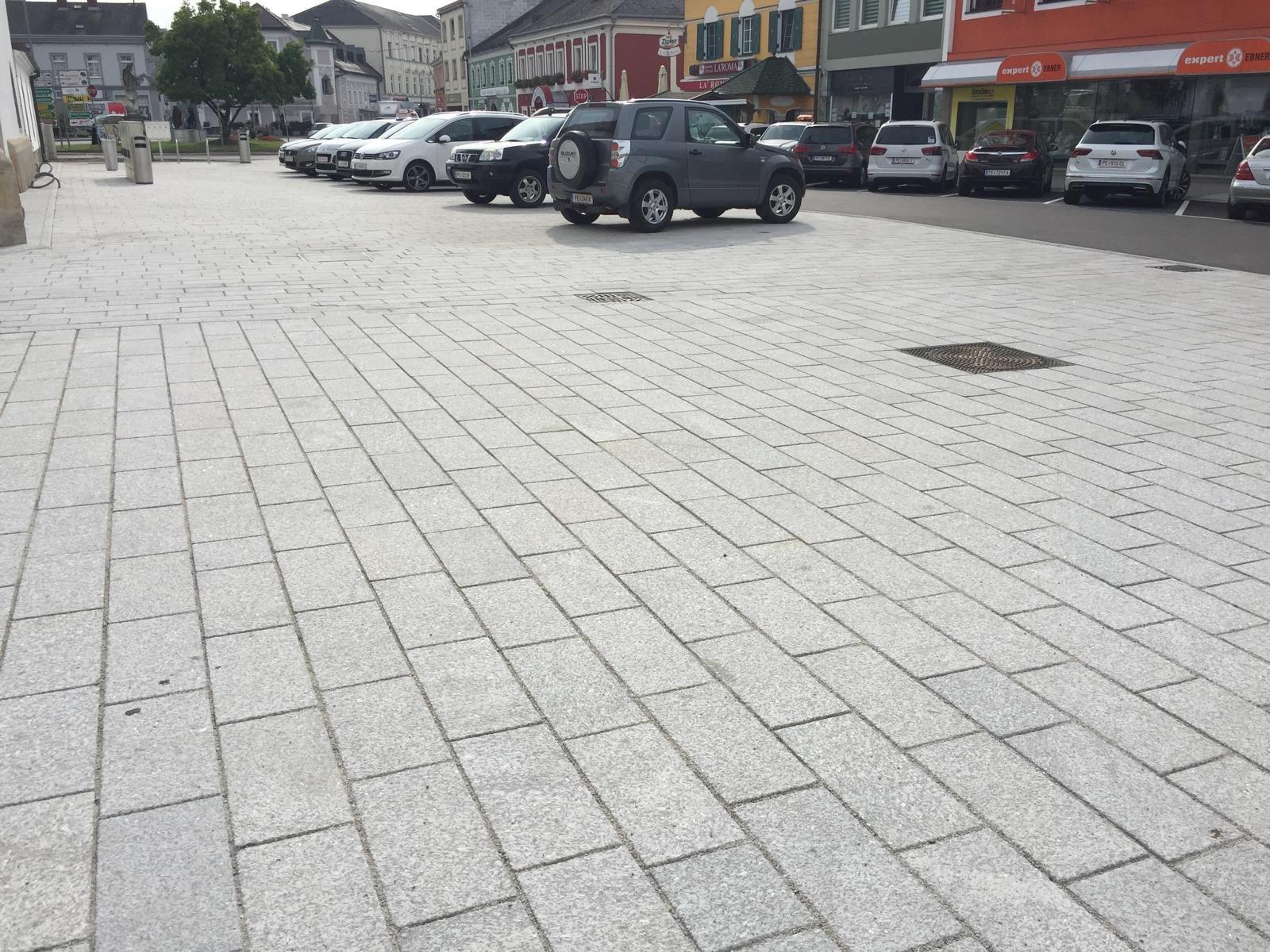 Perger Hauptplatz1