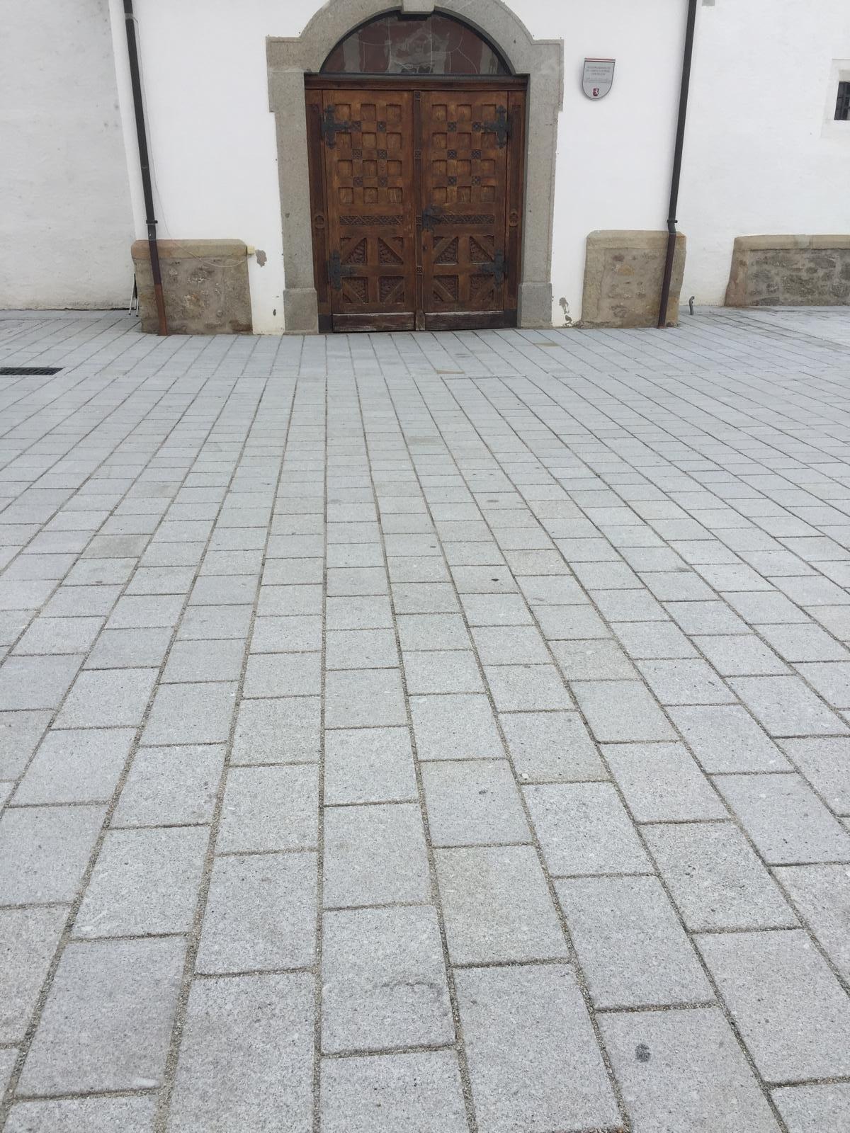 Perger Hauptplatz2