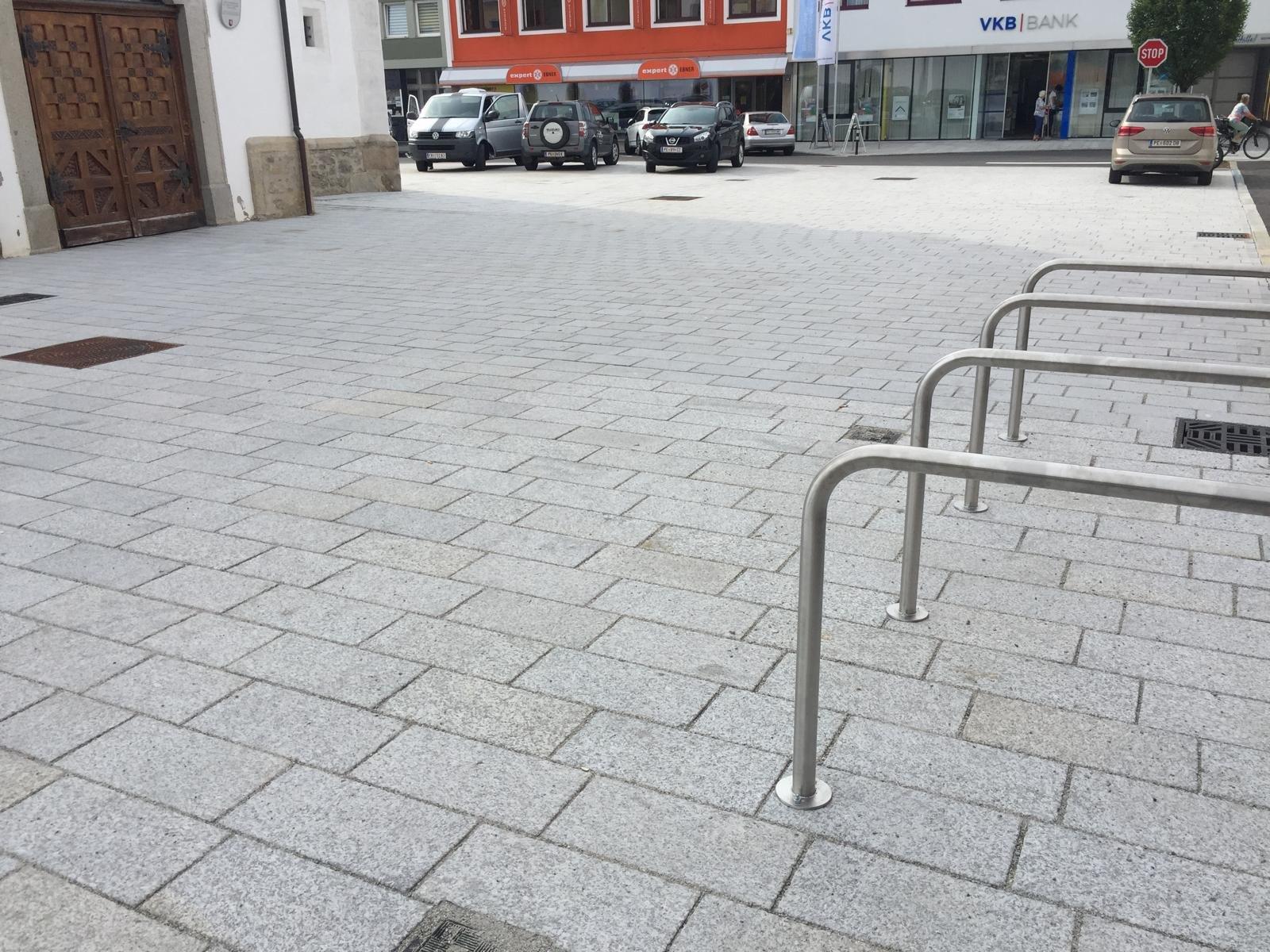 Perger Hauptplatz7