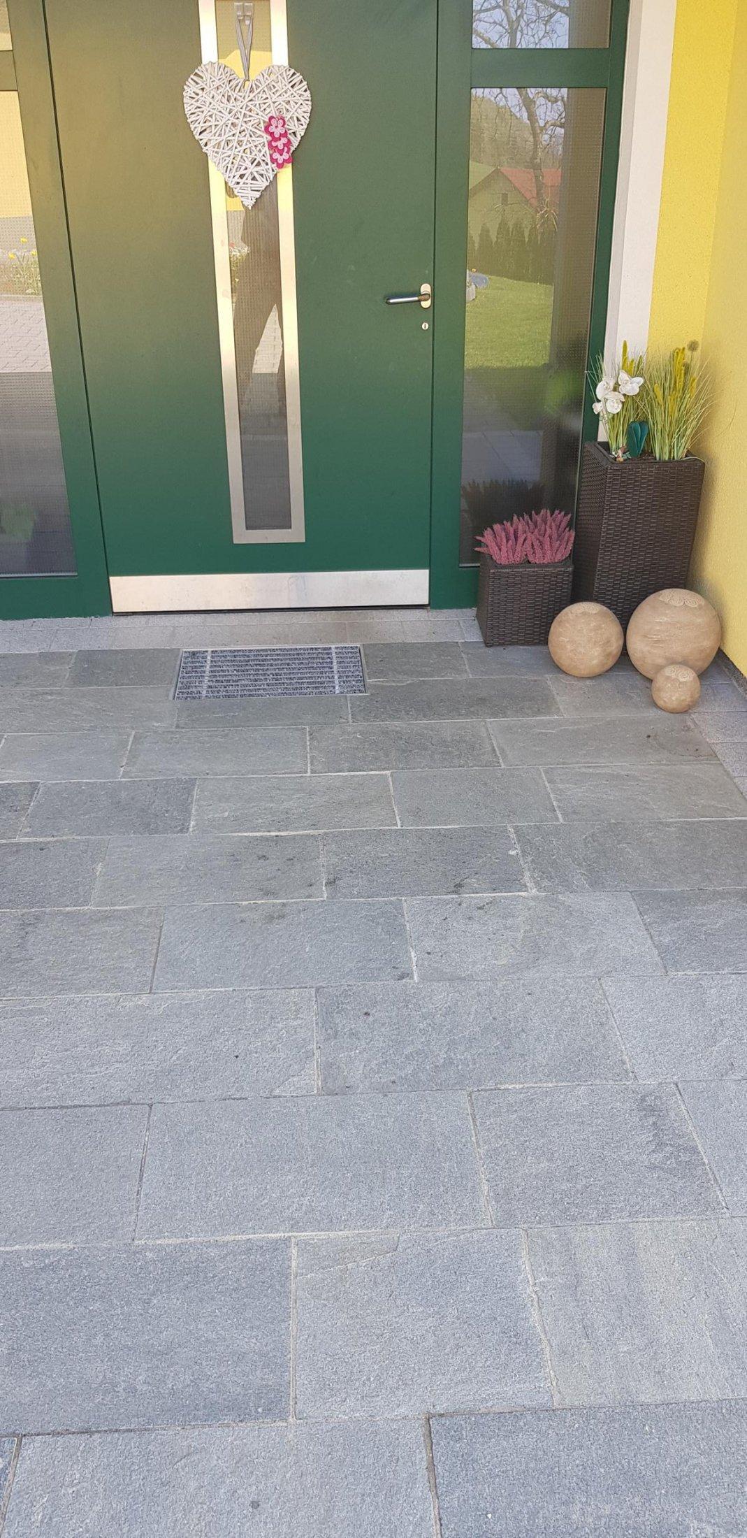 Quarzit Kavala Bodenplatten3