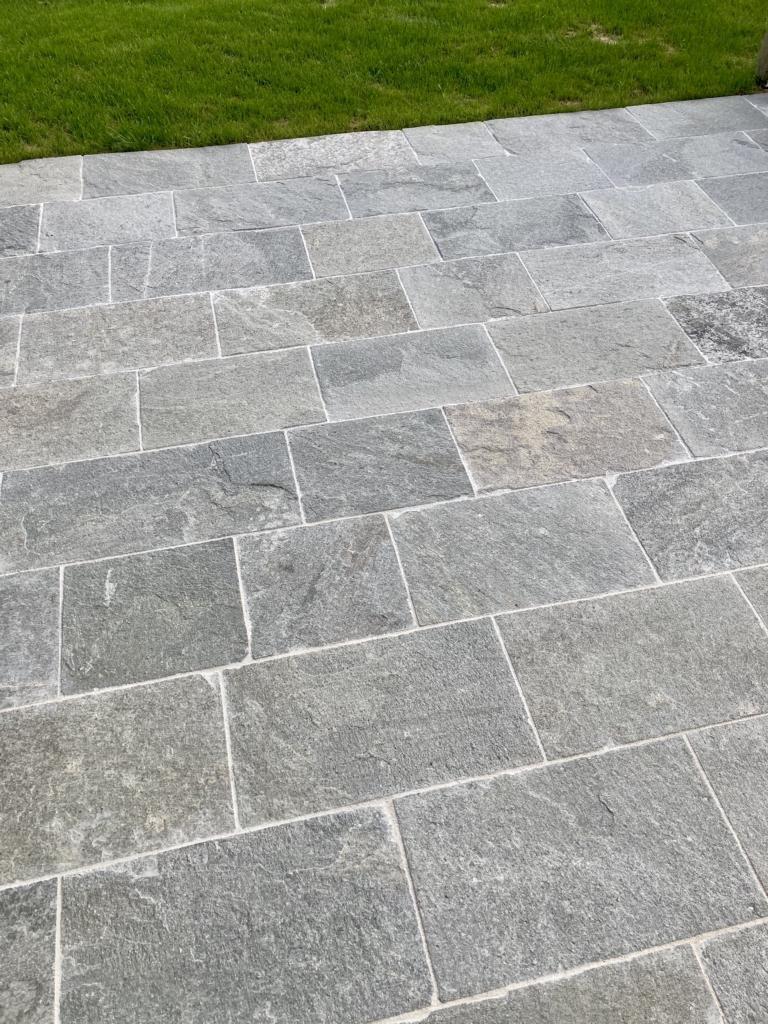 Quarzit Kavalla Bodenplatten Kanten Gesägt (13)