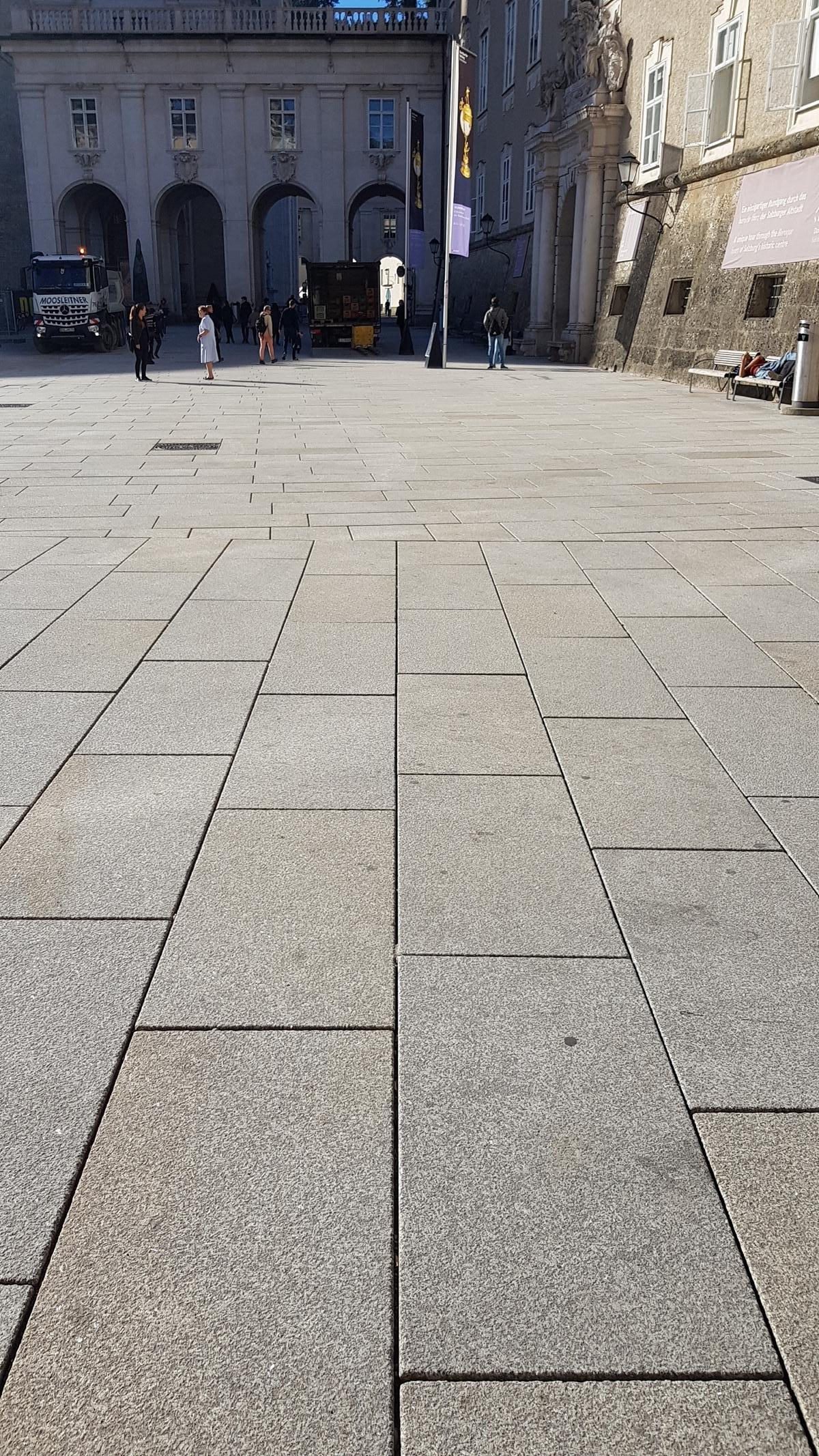 Salzburg - Residenzplatz4