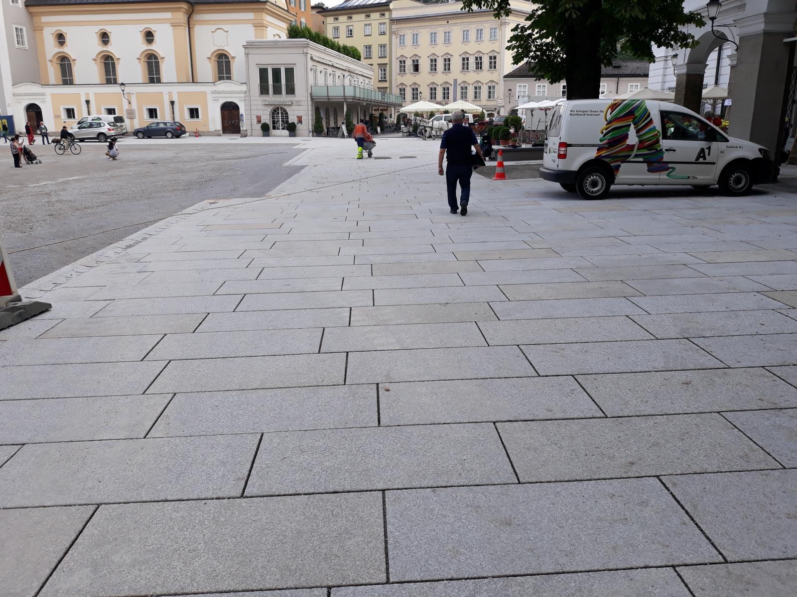 Salzburg - Residenzplatz6