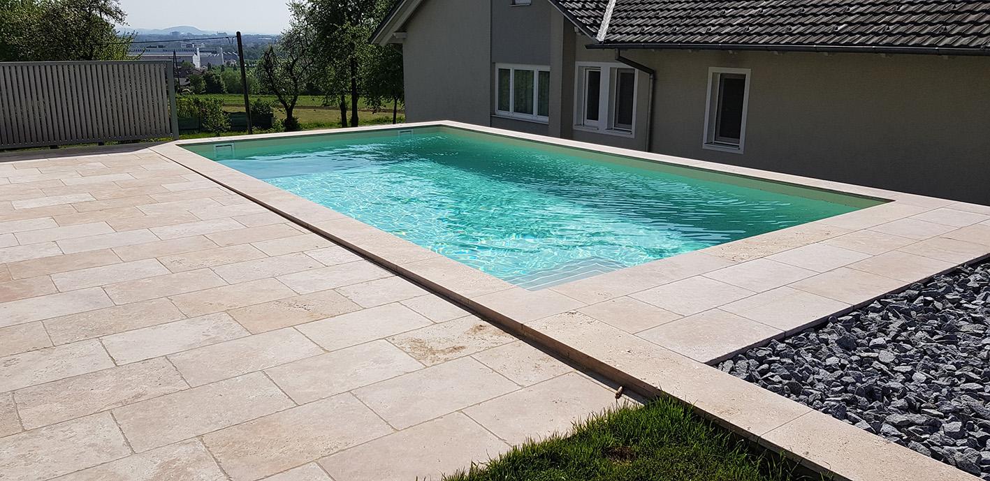 Travertin Mediterana Bodenplatten + Beige Poolumrandung1