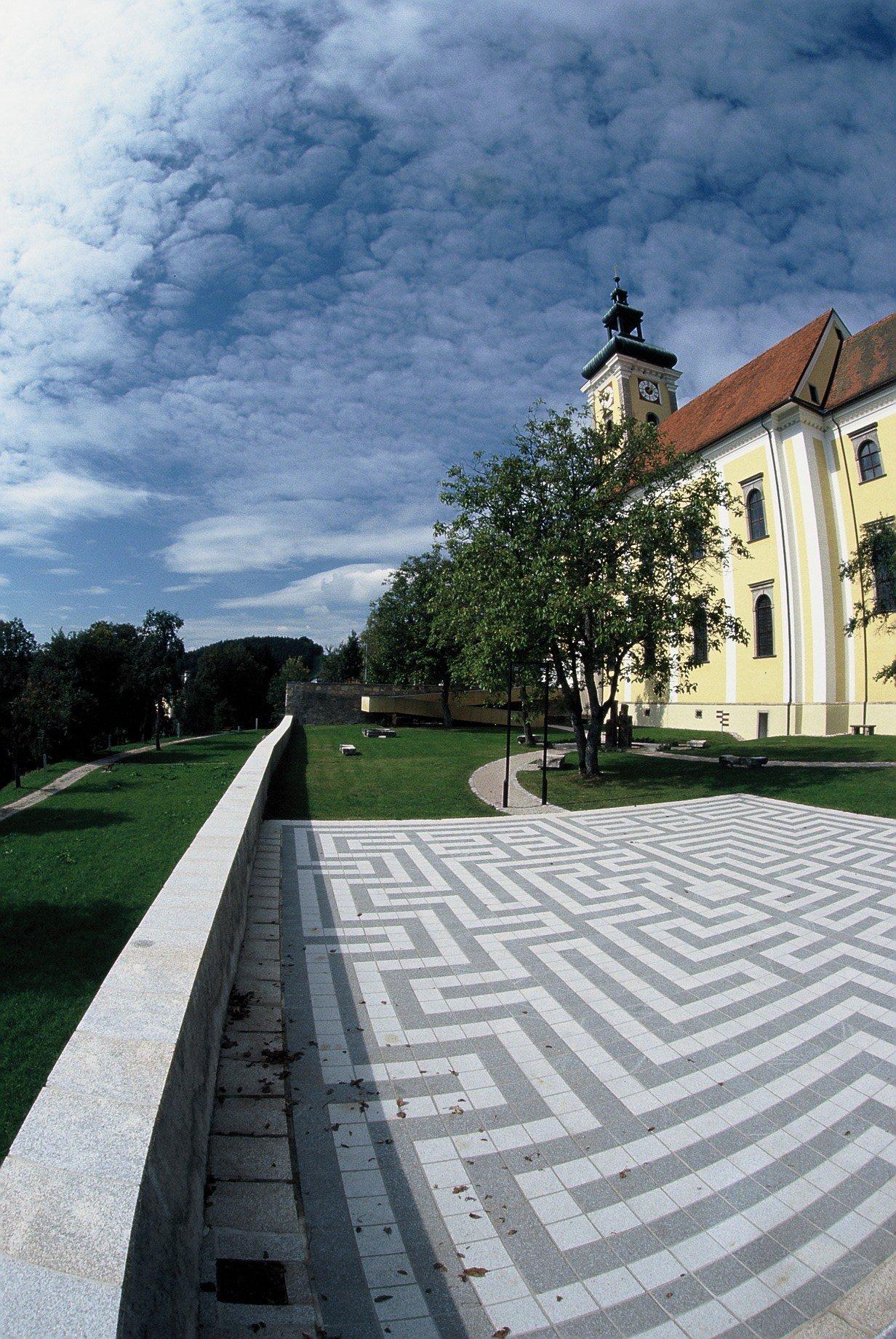Waldhausen Kirchenplatz5