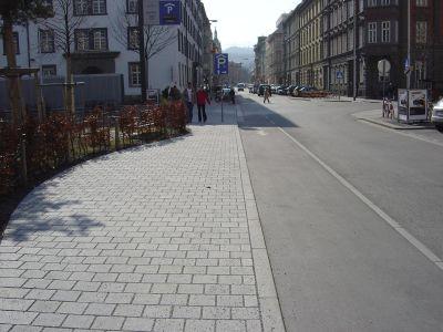 Innsbruck - Adolf-Pichler-Platz6