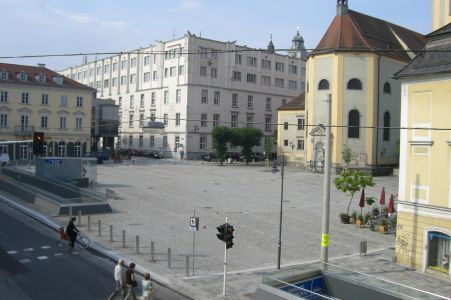 Linz-Pfarrplatz 1
