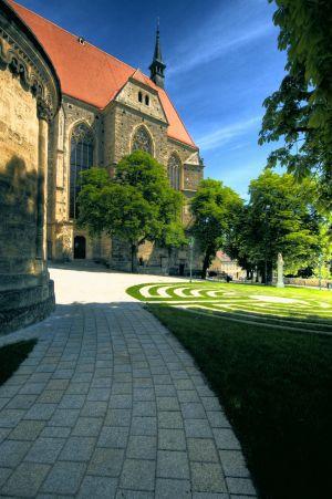 Mödling Kirchenplatz1