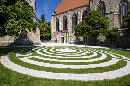 Mödling Kirchenplatz2