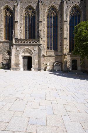 Mödling Kirchenplatz6