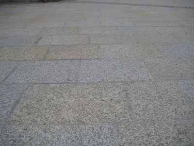 Naarn - Kirchenvorplatz5