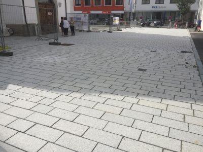 Perg Kirchenvorplatz6