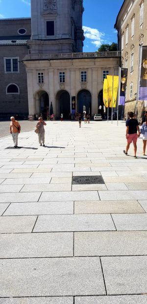 Salzburg - Residenzplatz17