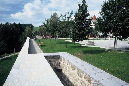 Waldhausen Kirchenplatz10