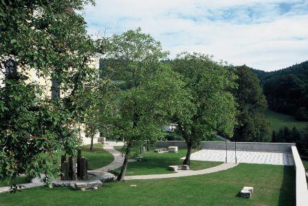 Waldhausen Kirchenplatz9